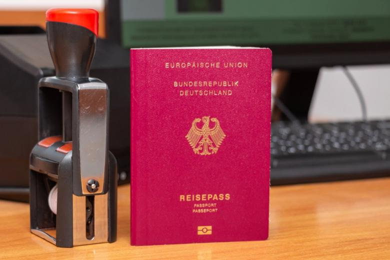 Биометрический немецкий паспорт