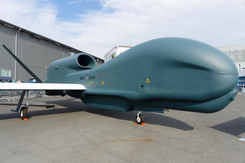 Предшественник RQ-180