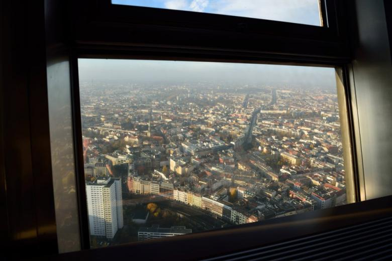 Вид из окна обзорного ресторана телебашни