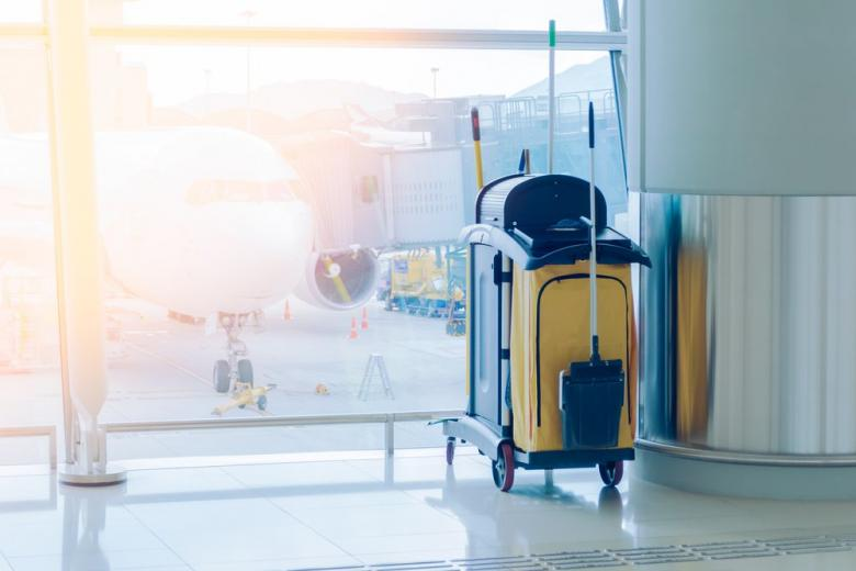 тележка для уборки в аэропорту