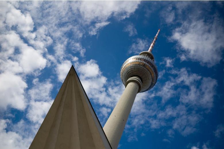 Berliner Fernsehturm: самая высокая телебашня Германии фото 1