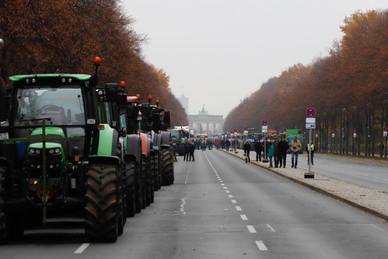 Тракторы у Брандебургских ворот