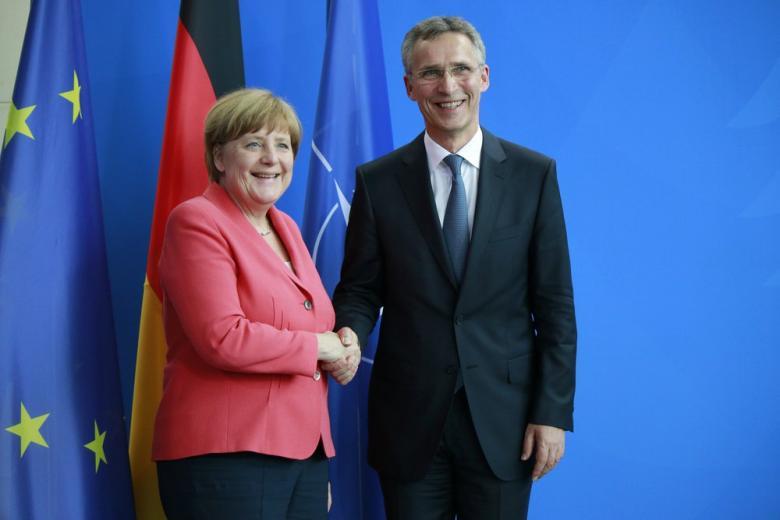 Столтенберг и Меркель