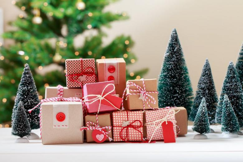 Ёлка и подарки