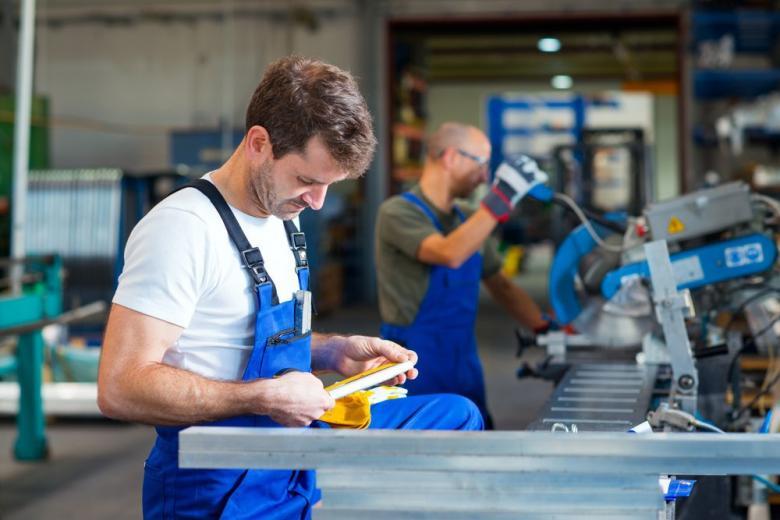 Зарплата слесаря в Германии: стажировка и региональные особенности фото 1