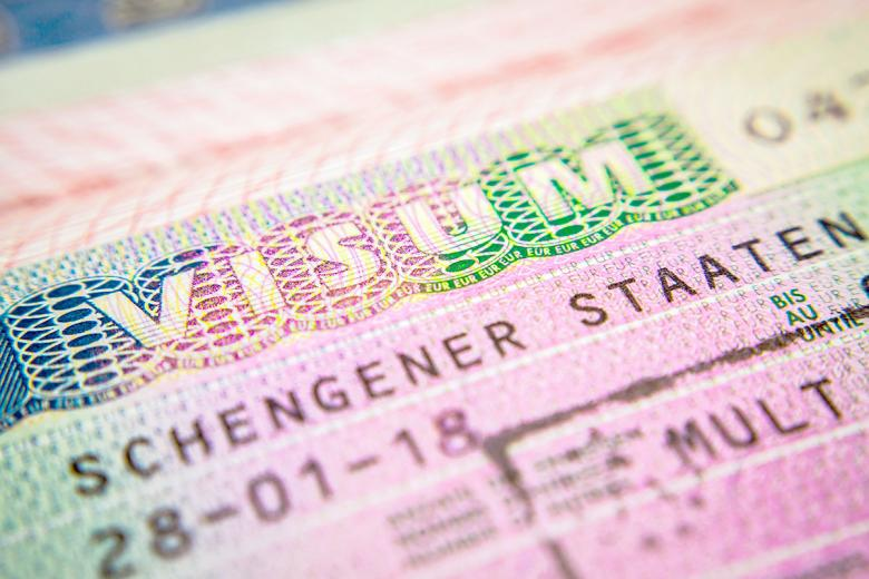Получение визы при переезде в Германию. Фото: Unsplash.com