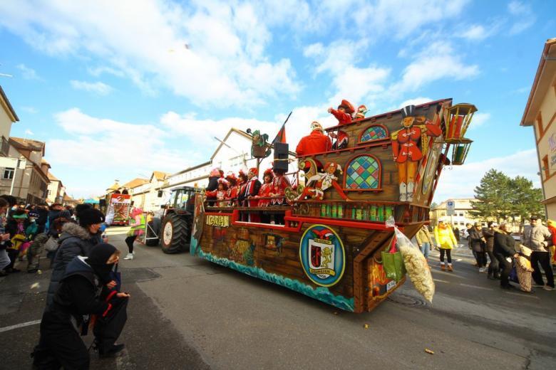 Кричалки, пиво и поцелуи: 10 фактов о карнавале в Германии, которые вас удивят фото 3