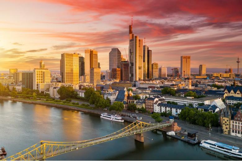 Франкфурт один из крупных городов в Германии фото