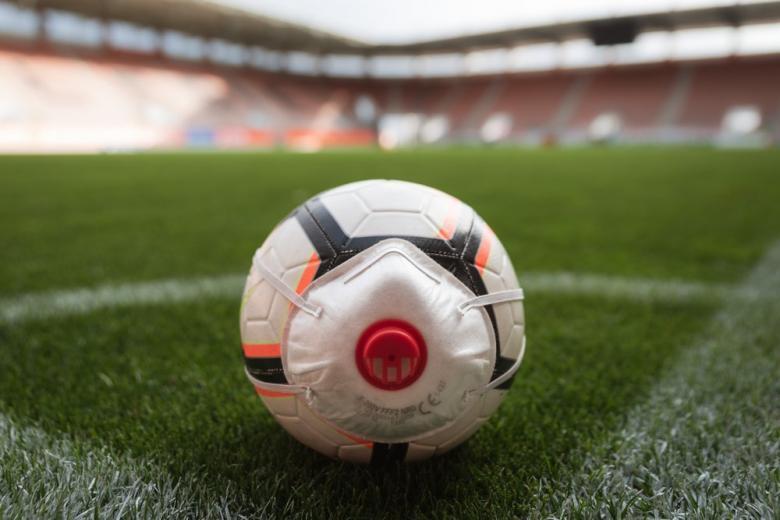 Картинка футбол во время коронавируса концепт