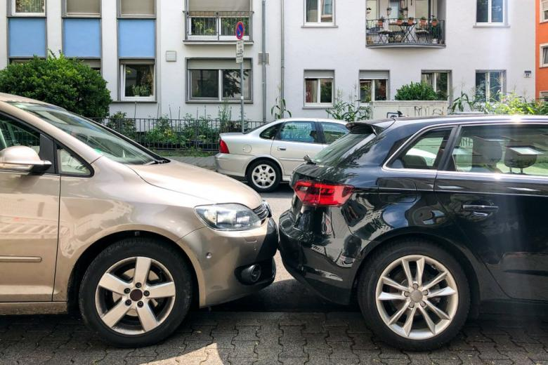 Very tight parking situation in German city
