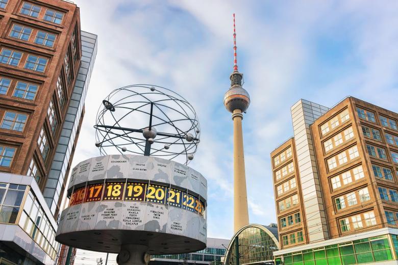 Berliner Fernsehturm - телебашня, вошедшая в ТОП-10 популярных достопримечательностей Германии фото