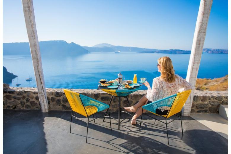 Греция принимает туристов, но вводит специальные правила в кафе, гостиницах и на пляжах фото