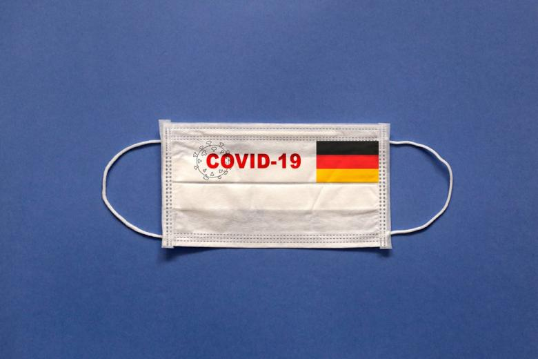 маска от коронавируса с флагом Германии фото