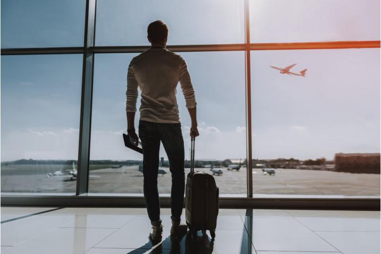 Немец живет в терминале аэропорта из-за коронавирусного карантина и уголовного прошлого фото
