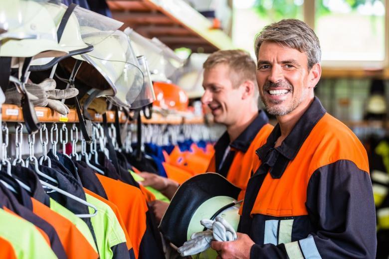 пожарные надевают форму фото