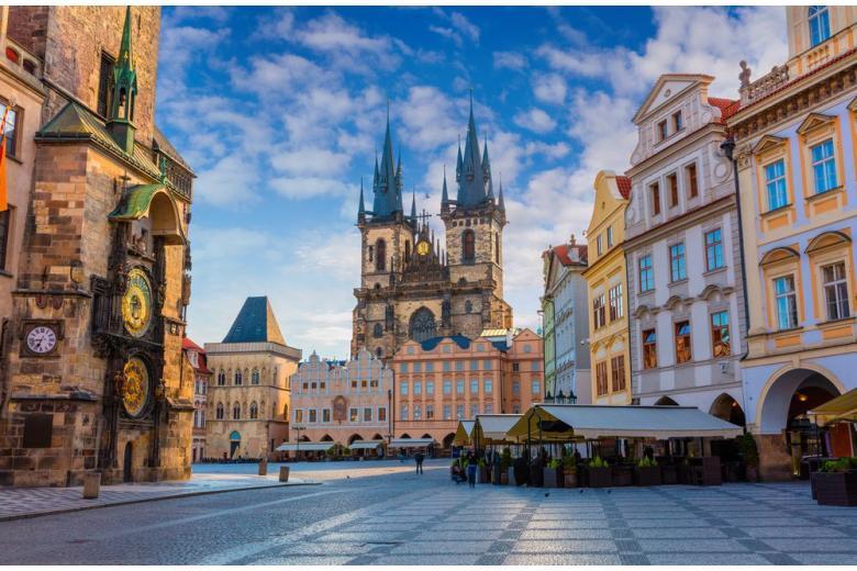 Прага открыла границу с Германией и разрешит ехать на учебу и по работе фото