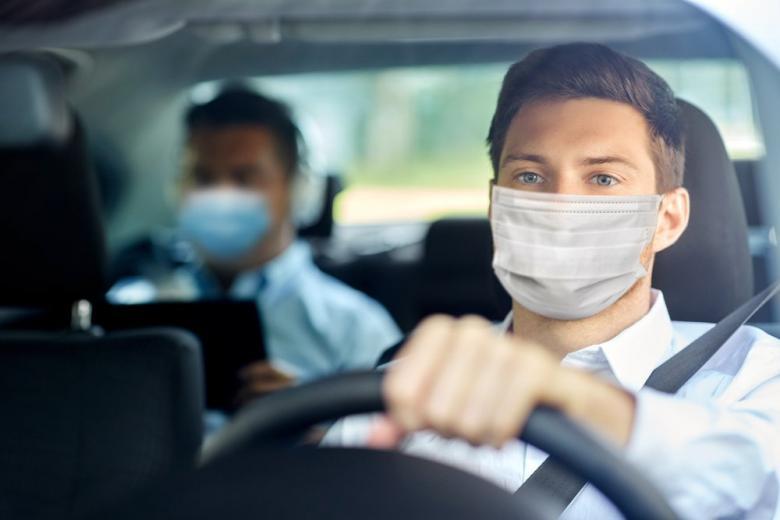 В частном автомобиле люди чувствуют себя комфортнее фото