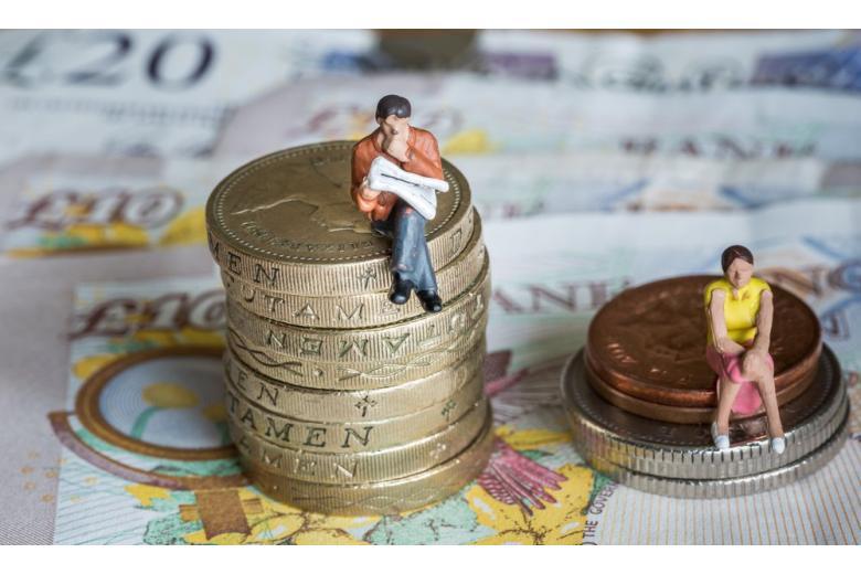 зарплата мужчин и женщин фото