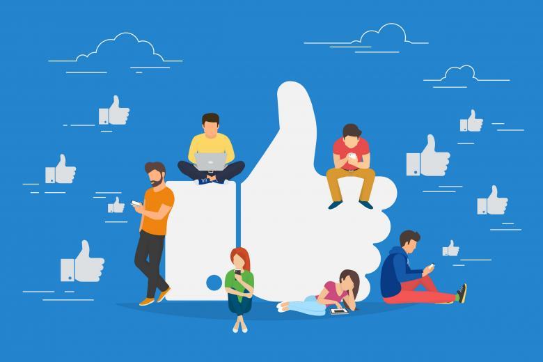 Люди поглощены социальными сетями и интернетом фото