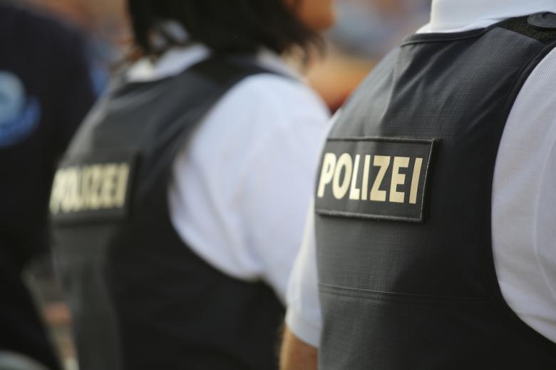 немецкие полицейские в бронежилетах фото