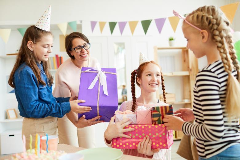 Подарки на день Рождение фото