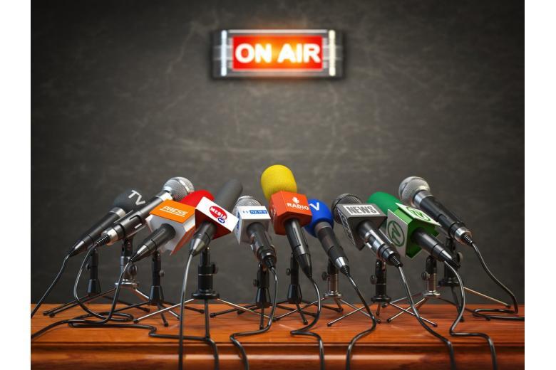 Пресс-конференция в эфире фото