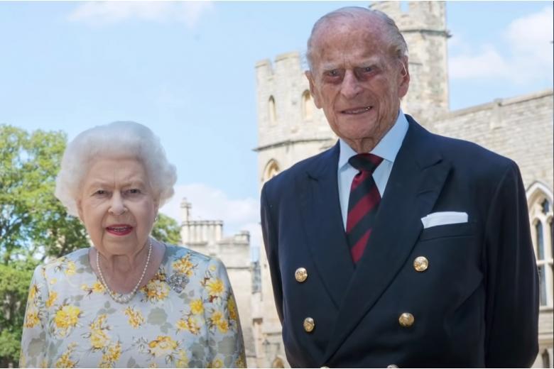 Принц Филипп отмечает почти 100-летний юбилей фото
