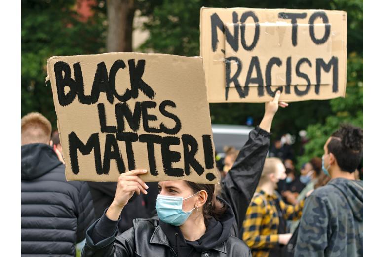 протест против расизма фото