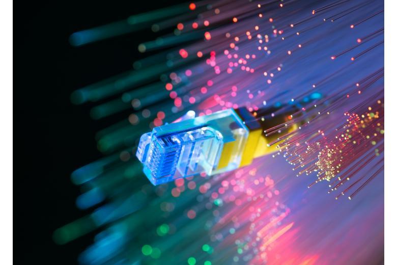Сетевые кабели крупным планом фото