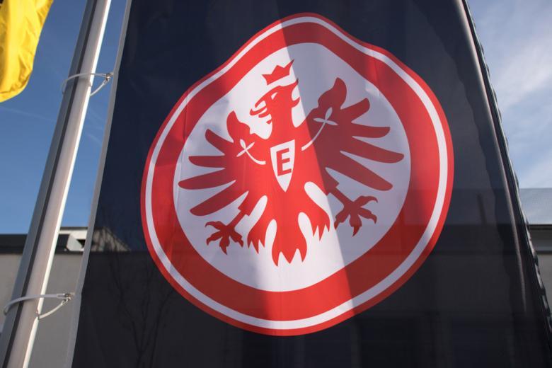 флаг футбольного клуба айнтрахт с орлом фото