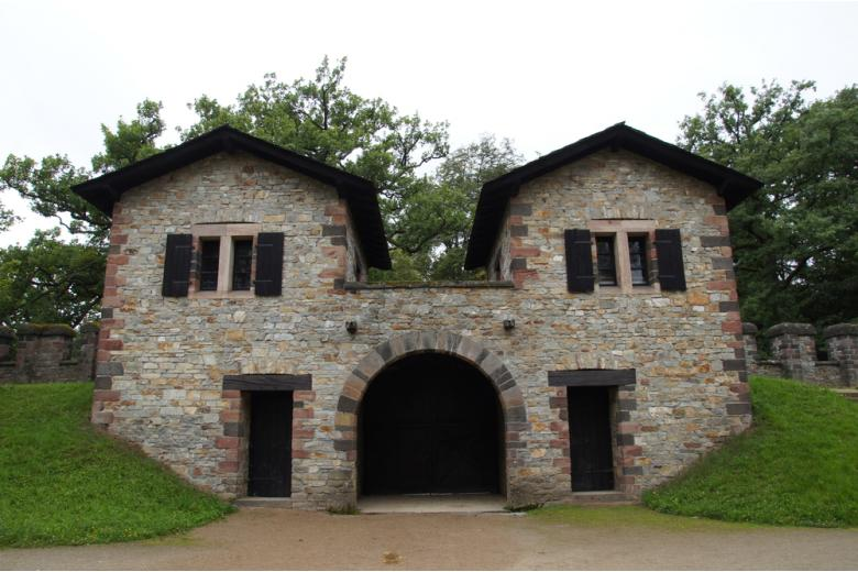 Форт Заальбург под Франкфуртом фото