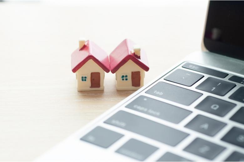 Концепт виртуальных операций с недвижимостью фото