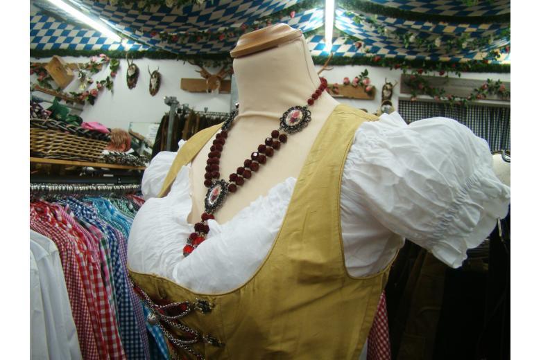 Его носили крестьянки и аристократки: история дирндля в Германии (+фото) фото 3