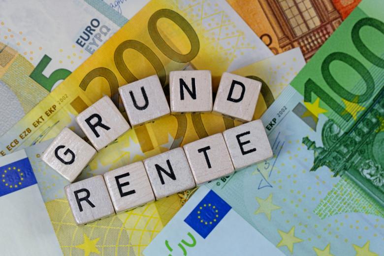 надпись базовая пенсия на немецком фото