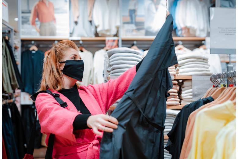 Привилегии для вакцинированных облегчат поход в магазины одежды