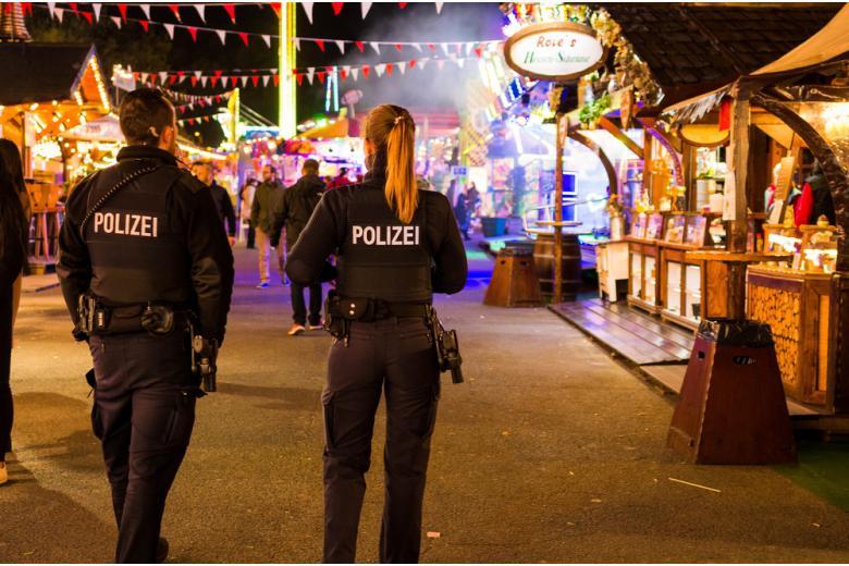 Полиции предоставили дополнительные права для охраны общественного порядка фото