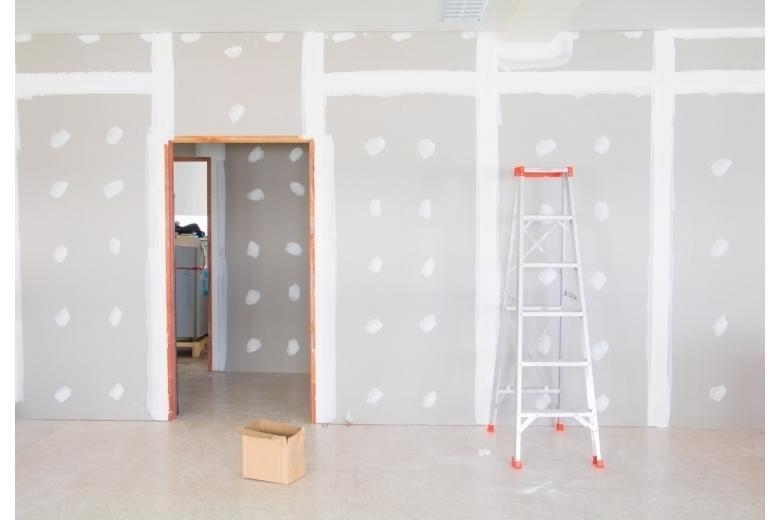 Ремонт в квартире начинается со стен и перепланировки фото