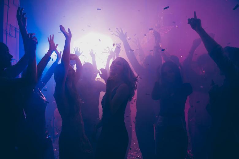 Ночная вечеринка клуб вышибалы в ночной клуб