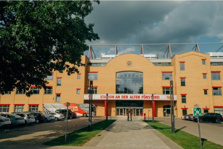 вход на стадион футбольного клуба юнион берлин фото