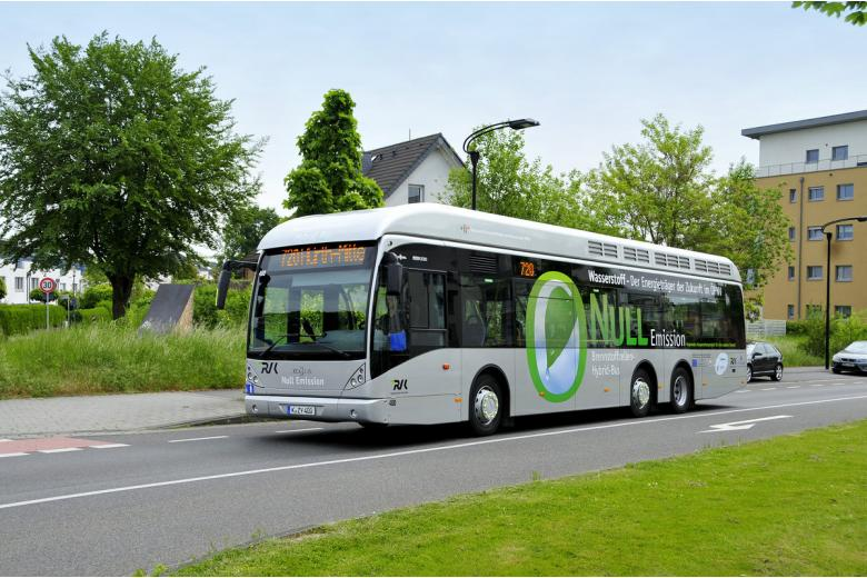 Водородный автобус Van Hool в Вуппертале, Германия фото