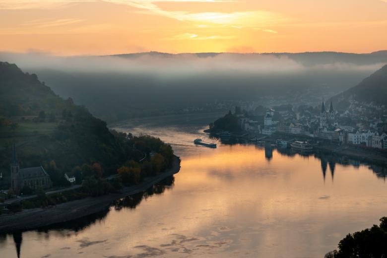 Восход солнца над Рейном, Боппард фото