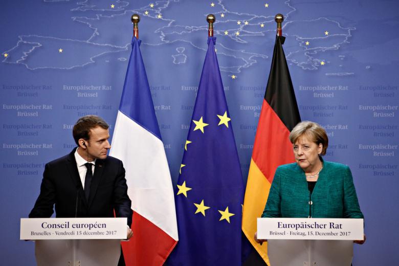 Встреча Меркель и Макрона фото