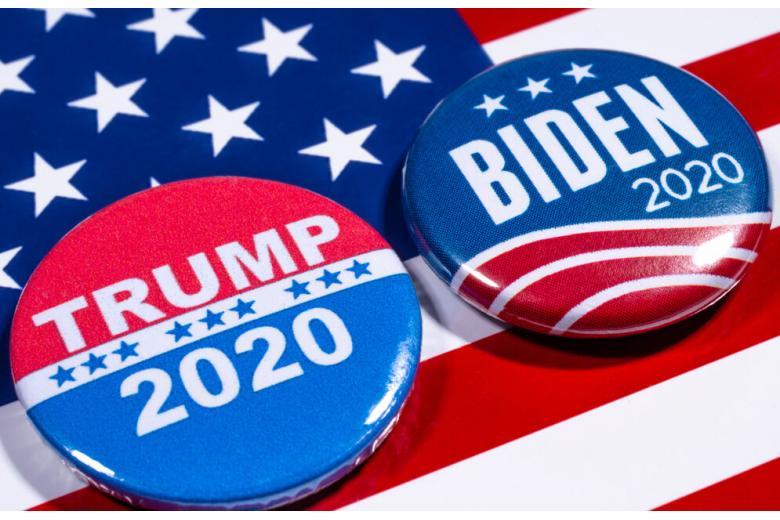 значки для избирателей Байдена и Трампа фото