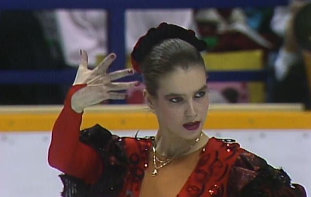 Katarina Witt в образе Кармен на чемпионском выступлении фото