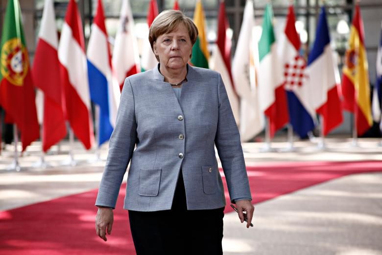 Меркель рассказала как будет работать власть в ближайшее время фото