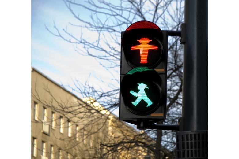 Пешеходный переход в Восточной Германии фото