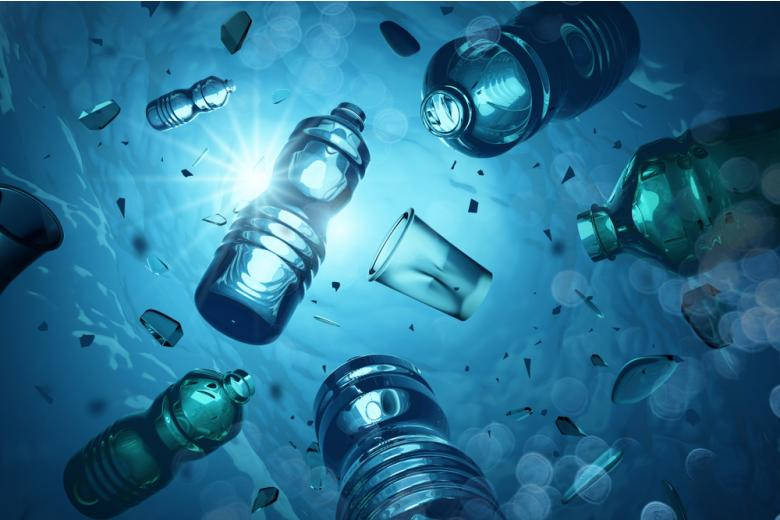 Пластик все больше засоряет океаны фото