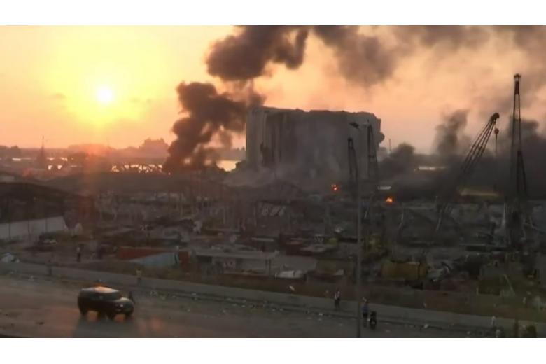 Последствия взрыва в Бейруте напоминают пейзажи военных действий фото