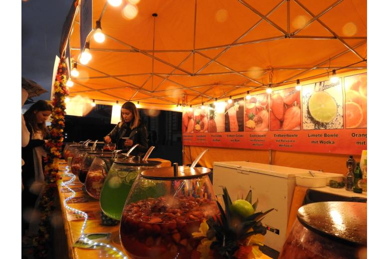 уличная коктейльная вечеринка в Мюнхене фото