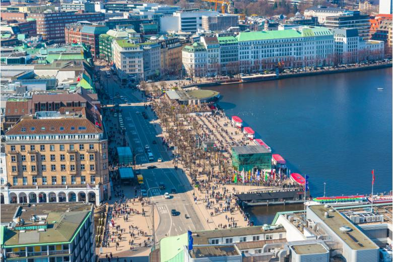 Улица Юнгфернштиг в Гамбурге фото